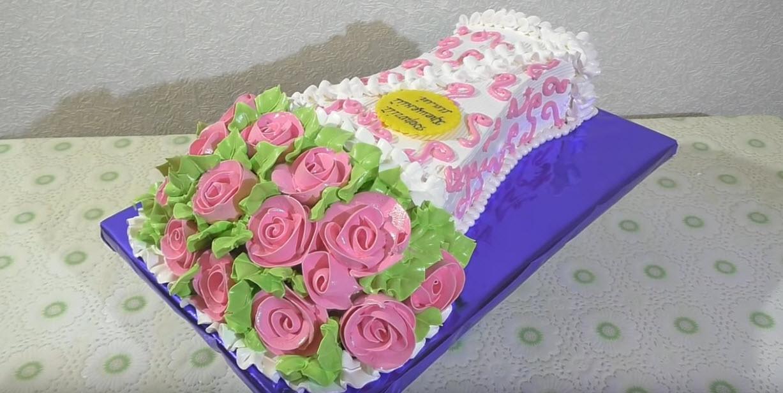 что подарить девушке на день рождения Торт букет из роз, станет классным подарком