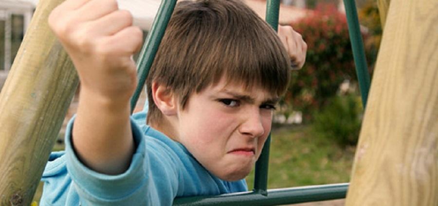 9 советов, что делать, если ребёнка обижают в школе